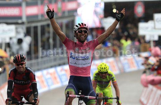 Michael Matthews a braccia alzate a Montecassino - 6^ tappa del Giro d'Italia 2014 - © bettiniphoto