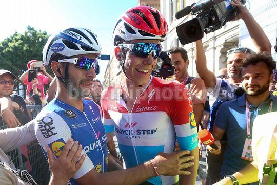 La gioia di Gaviria ed Jungels, uomini copertina dell'arrivo di Cagliari - © BettiniPhoto