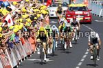 Tour de France 2017 - 104th Edition - 15th stage Laissac Severac lÕEglise - Le Puy en Velay 189.5 km - 16/07/2017 - Christopher Froome (GBR - Team Sky) - Simon Yates (GBR - ORICA - Scott) - Rigoberto Uran (COL - Cannondale - Drapac) - photo Luca Bettini/