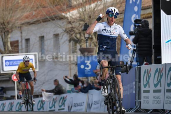 Michael Woods vince sul muro di Fayence (Bettini Photo)