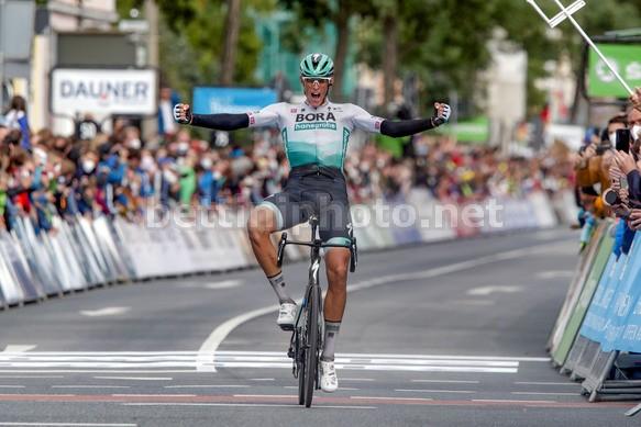 Dopo la tappa di Nîmes dellultimo Tour de France, sulle strade del Giro di Germania Nils Politt coglie un altro prestigioso successo (foto Bettini)